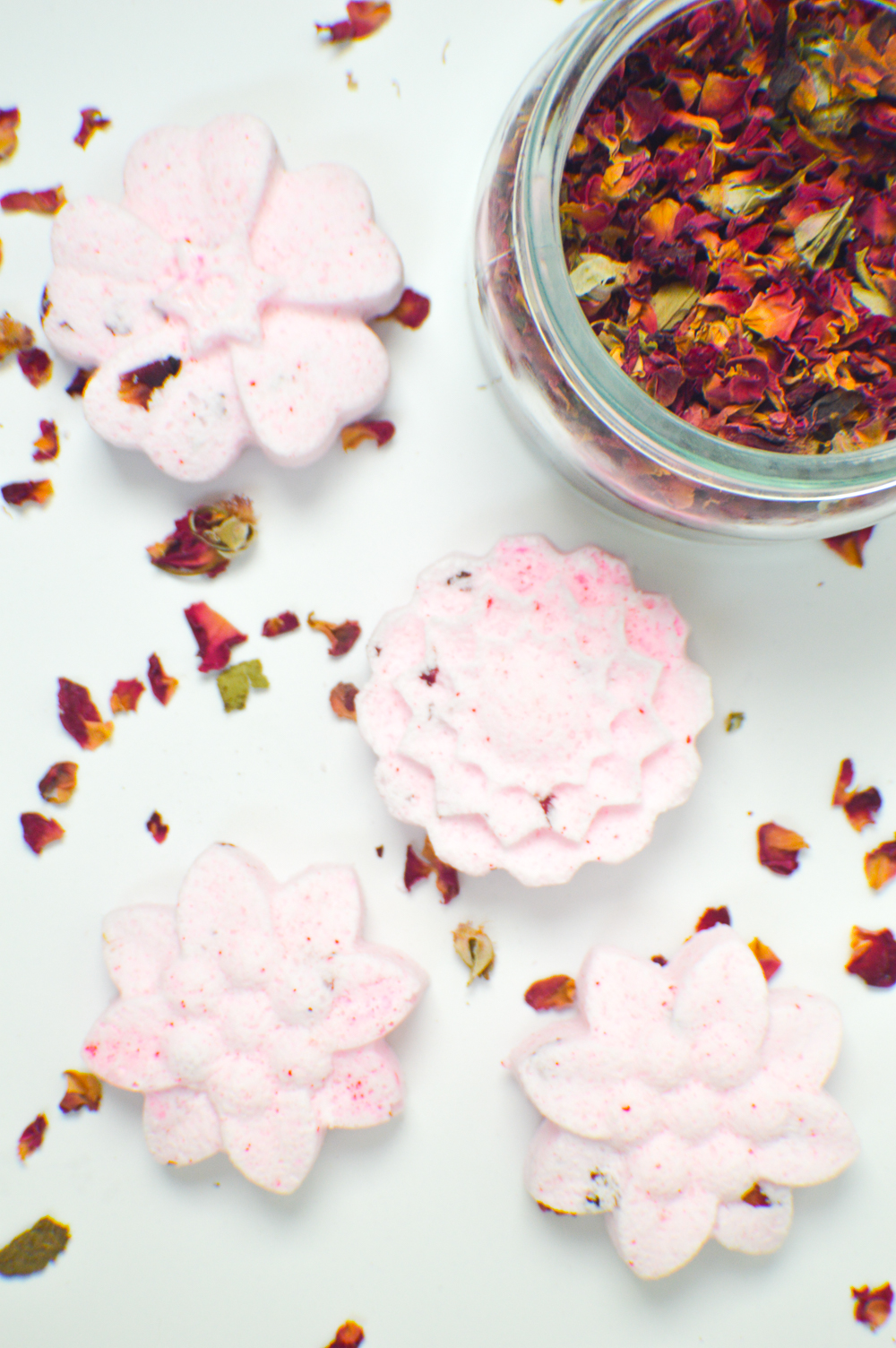DIY Floral Bath Bombs | www.clubcrafted.com