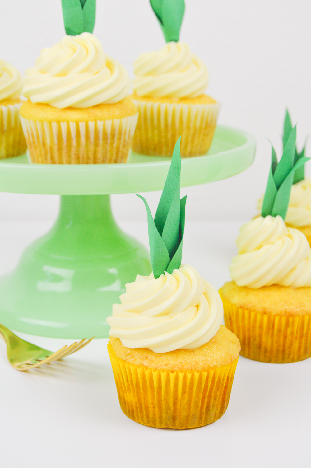 Pineapple Cupcake Recipe and DIY Pineapple Cupcake Toppers   www.clubcrafted.com
