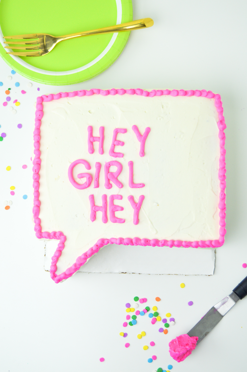 DIY Quote Bubble Cake | www.clubcrafted.com
