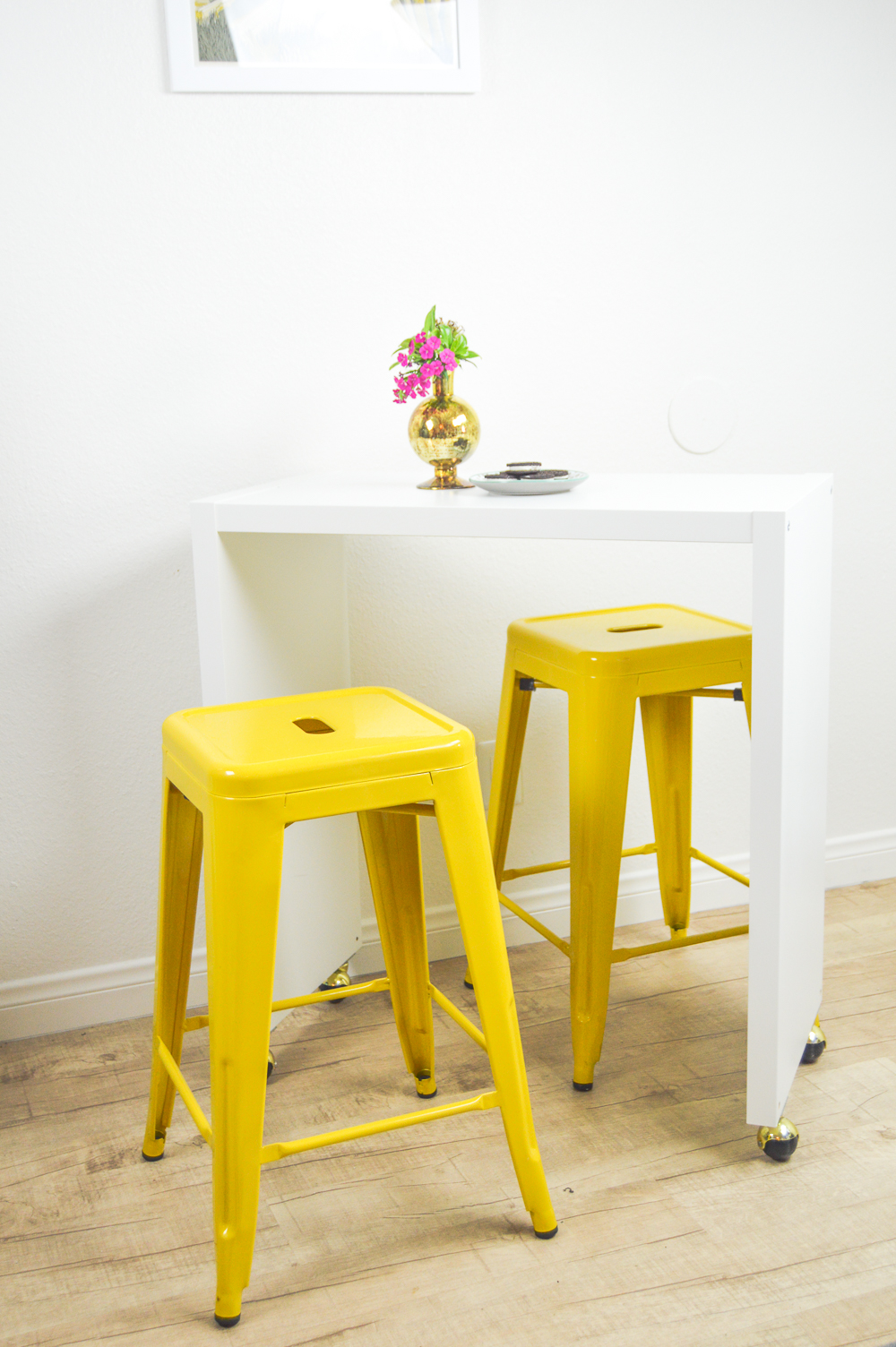 IKEA Hack: Rolling Kitchen Island or Bar | www.clubcrafted.com