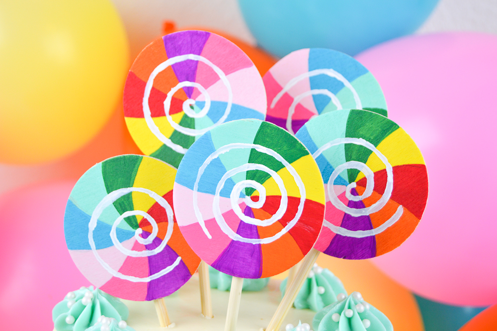 DIY Lollipop Cake Topper | Club Crafted