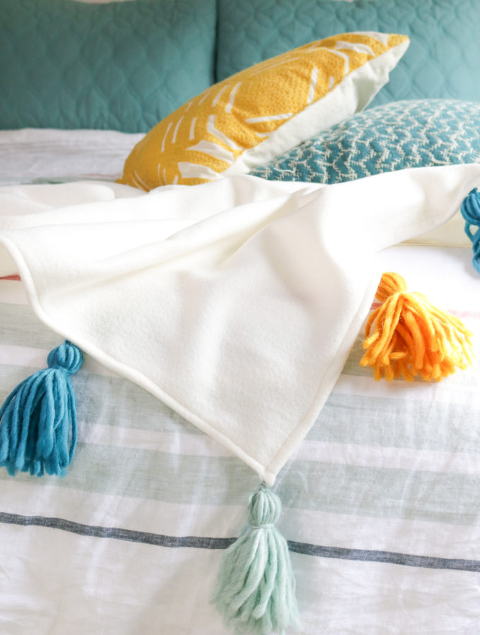 DIY Fleece Tassel Blanket | Club Crafted