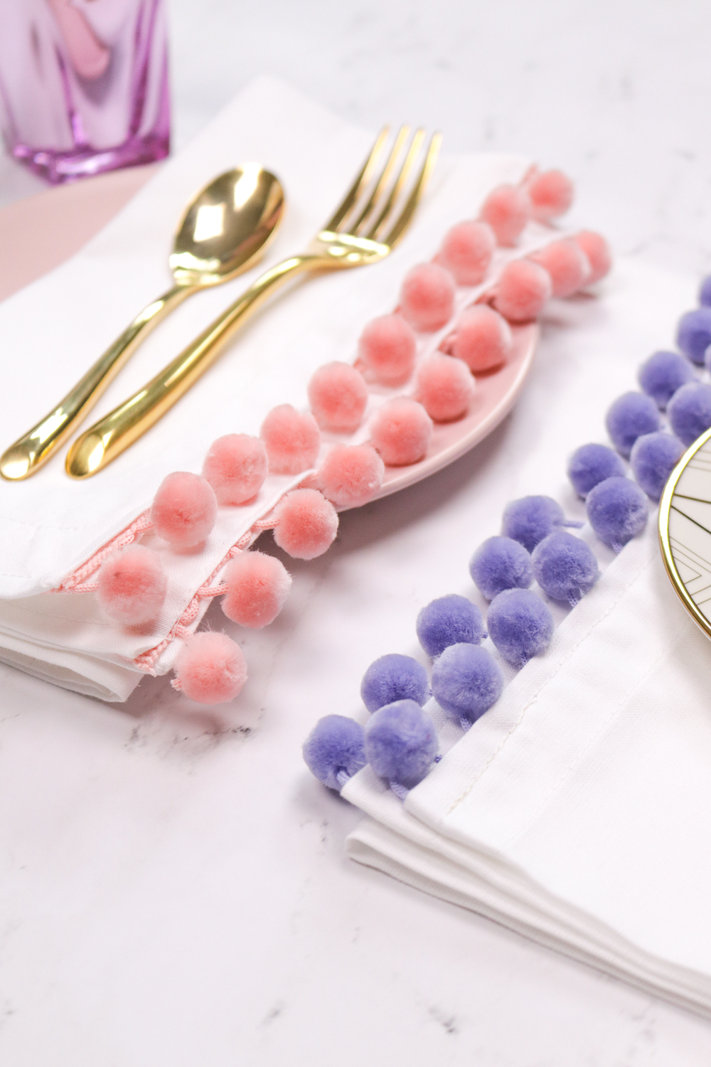 DIY Pom Pom Edged Napkins | Club Crafted