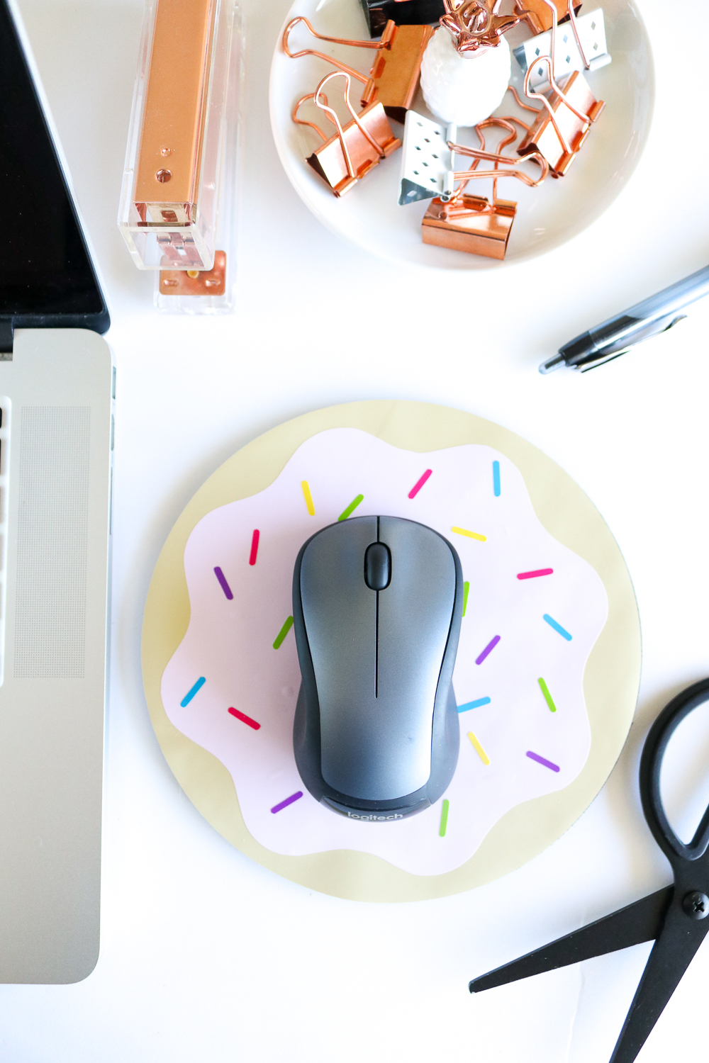 DIY Donut Mousepad | Club Crafted