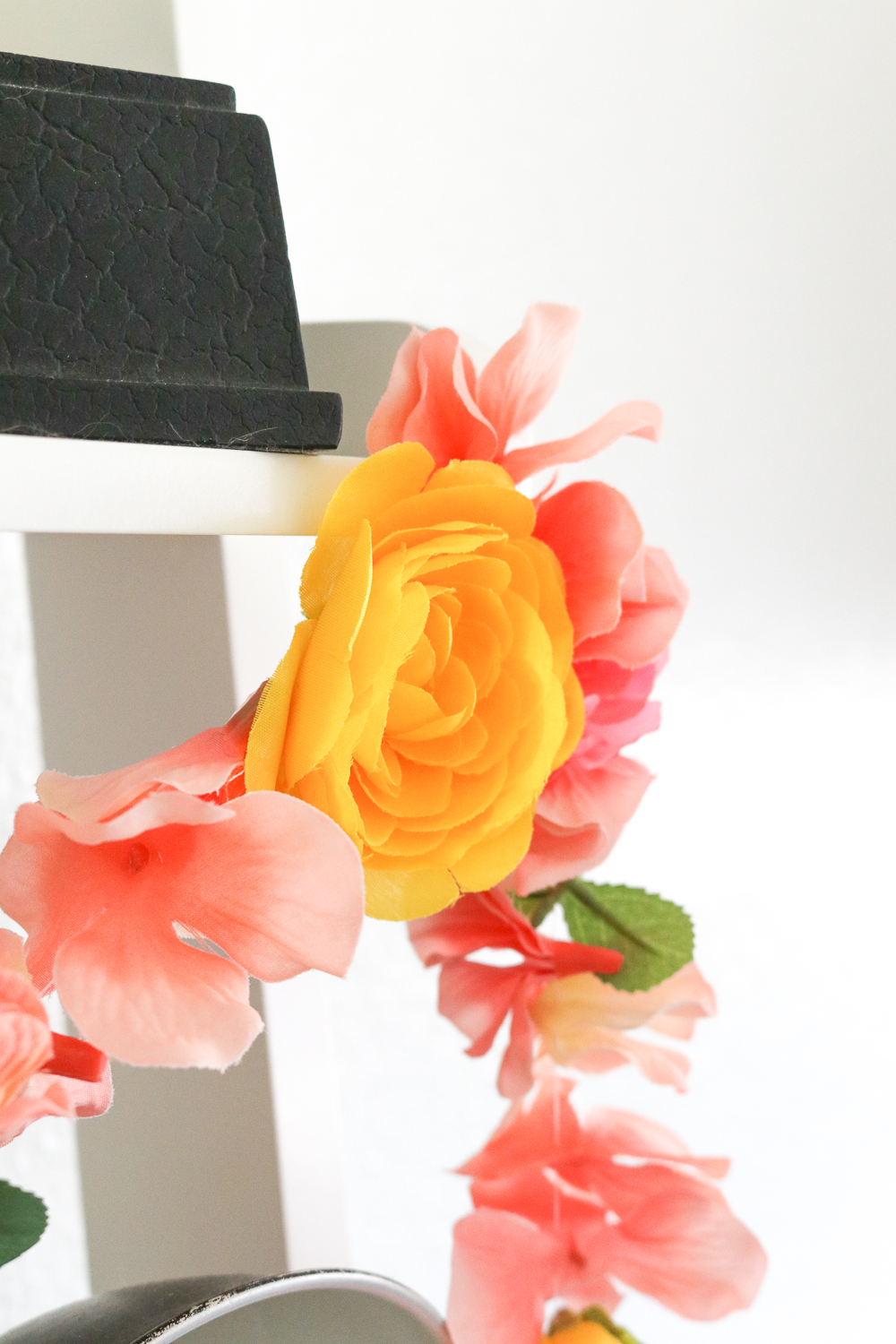 DIY Floral Garland for Spring | Club Crafted
