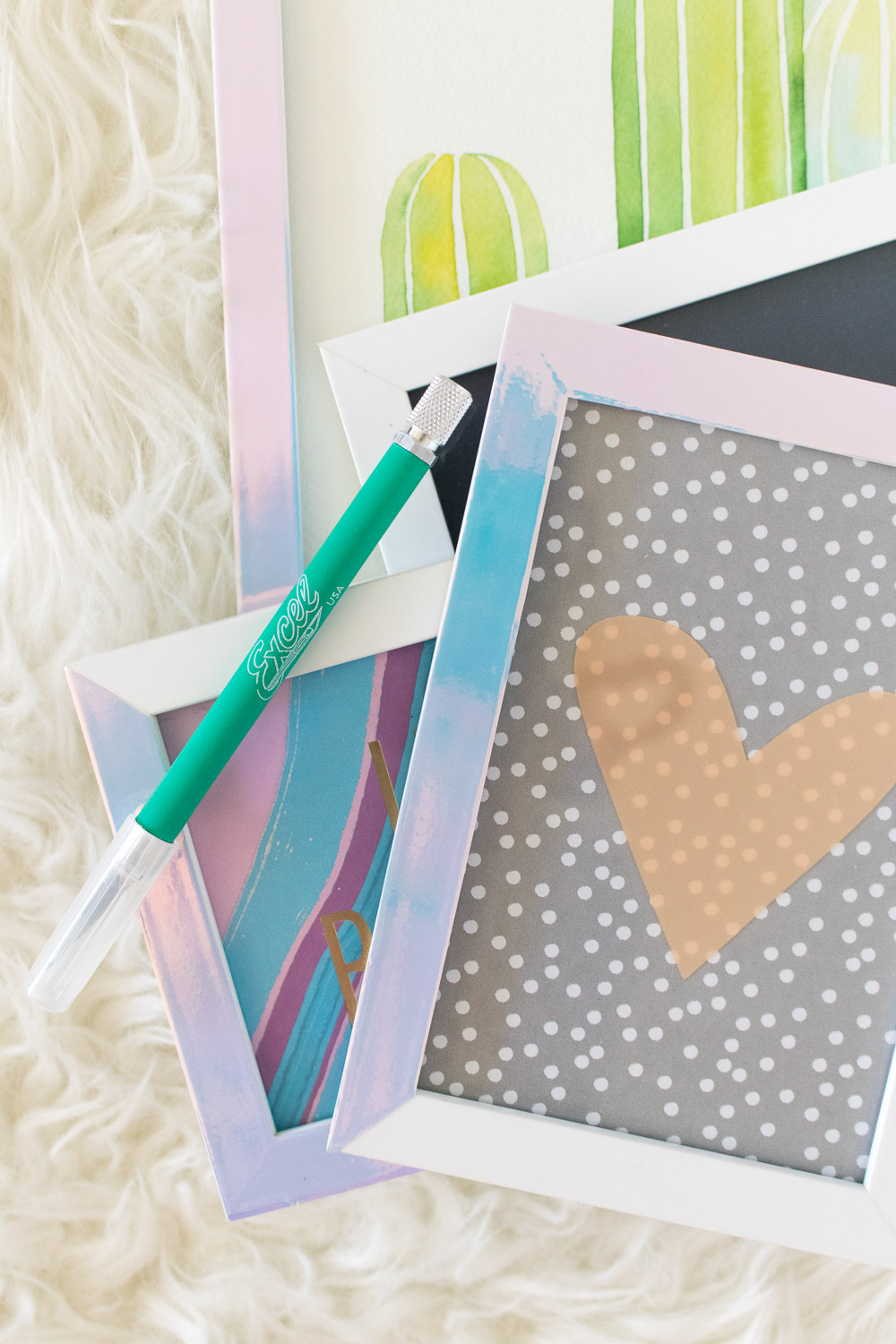 DIY Holographic Photo Frames | Club Crafted